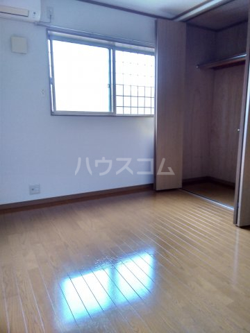 キャプリコーン エス B 103号室の居室