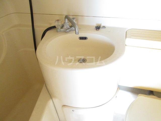 プチハイツ伊東 303号室の洗面所