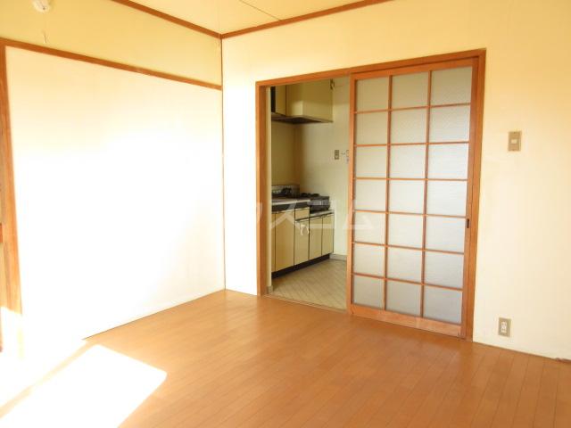 プチハイツ伊東 303号室の居室