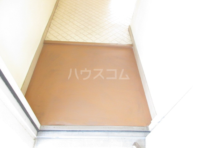 プチハイツ伊東 303号室の玄関