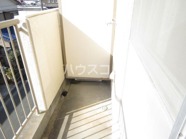 プチハイツ伊東 303号室のバルコニー