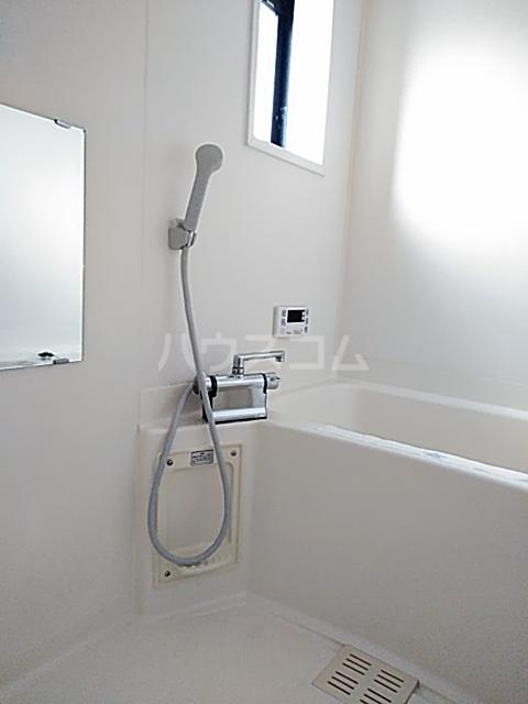 シティ・ナカヤマ A 202号室の風呂