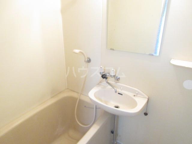 レスカール二本松 106号室の洗面所