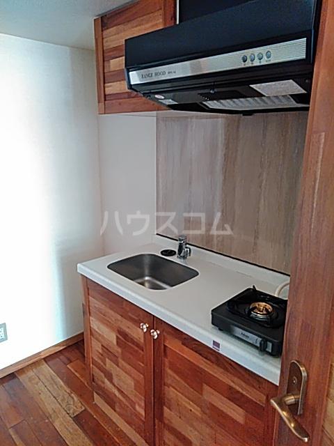 セザンヌ前芝 203号室のキッチン