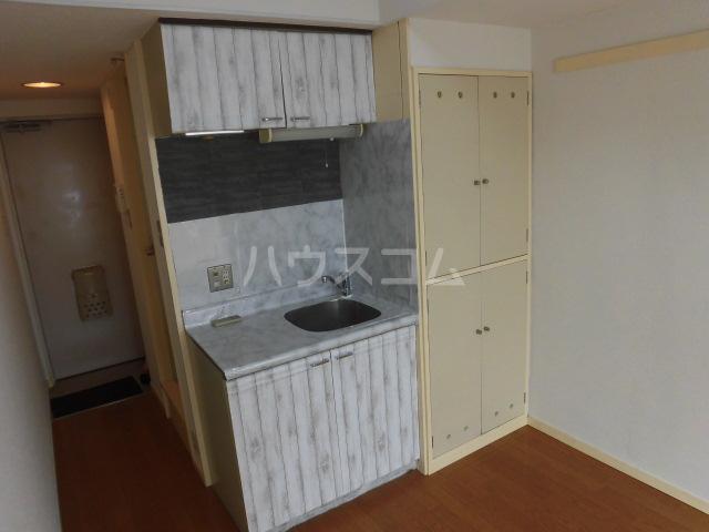 メゾン・ド・ノア天神町 406号室のキッチン