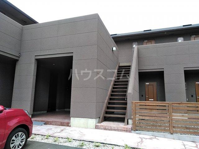 セザンヌ小坂井 202号室のエントランス
