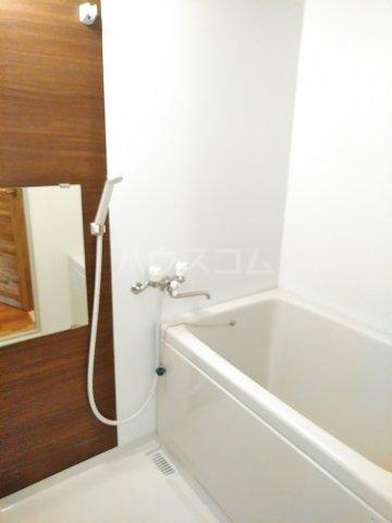 セザンヌ小坂井 202号室の風呂
