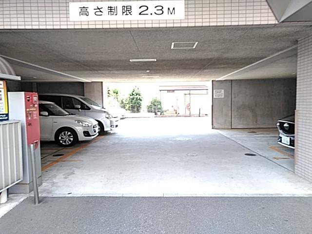 グラシア武蔵中原 504号室の駐車場