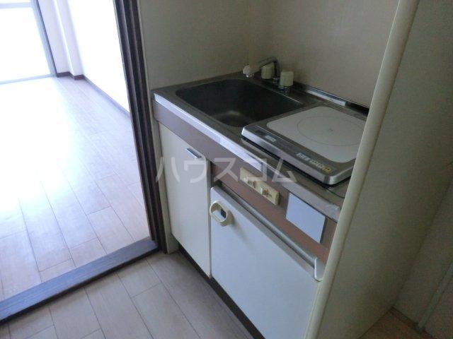 サンヒル南小池 305号室のキッチン