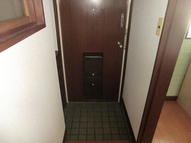 ヴィレッジ杉田B 206号室の玄関