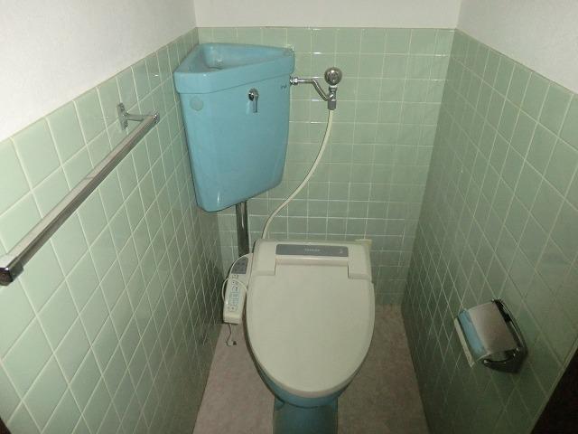 ヴィレッジ杉田B 206号室のトイレ