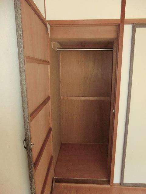 ヴィレッジ杉田B 206号室の収納