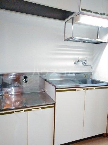 ハイシティ南松山 403号室のキッチン