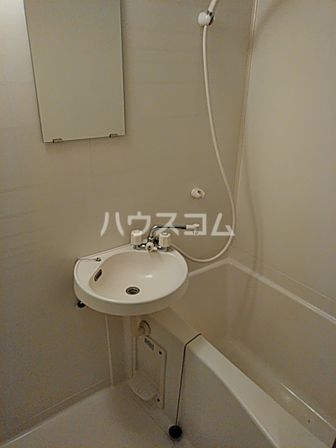 サンライズ牛川 107号室の洗面所