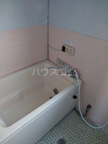 ハイツ明和 A 402号室の風呂