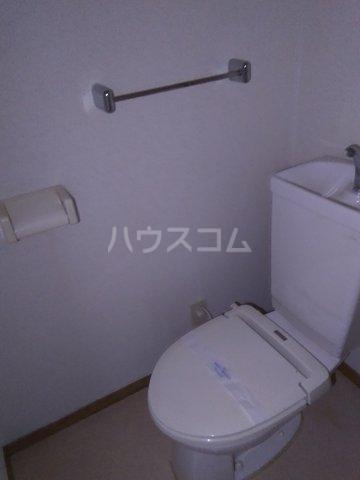 マロン・ドゥムール 302号室のトイレ