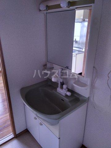 マロン・ドゥムール 302号室の洗面所