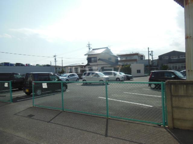 太和マンション 507号室の駐車場