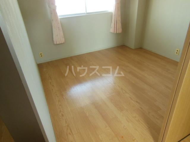 太和マンション 507号室の居室
