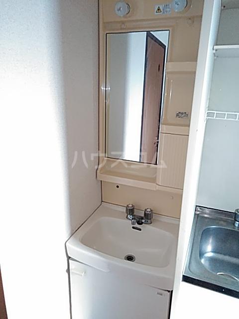 ベノワコート B棟 106号室の洗面所