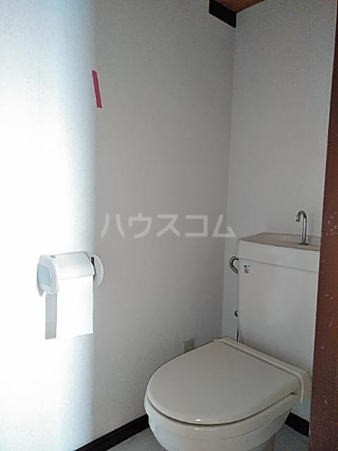 ベノワコート B棟 106号室のトイレ