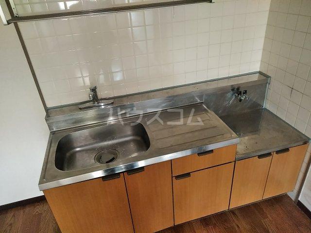 フィオーレ田中 101号室のキッチン