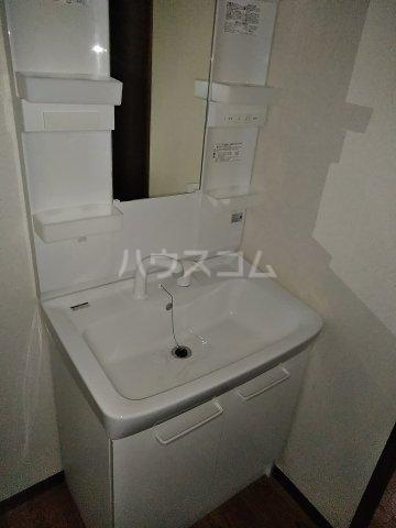 フィオーレ田中 101号室の洗面所