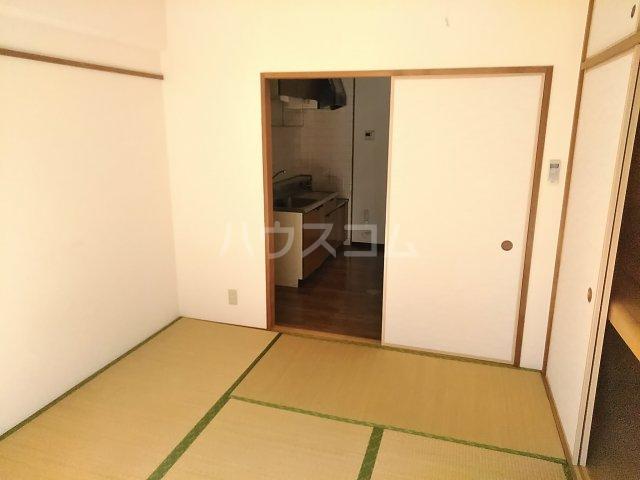 フィオーレ田中 101号室のベッドルーム