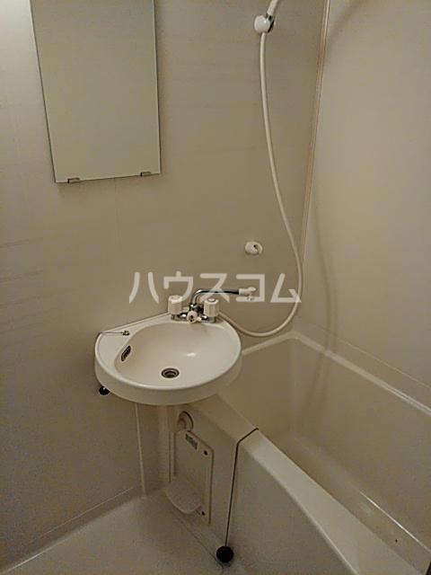 サンライズ牛川 207号室の洗面所