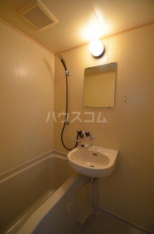 サンライフ日吉 101号室の風呂