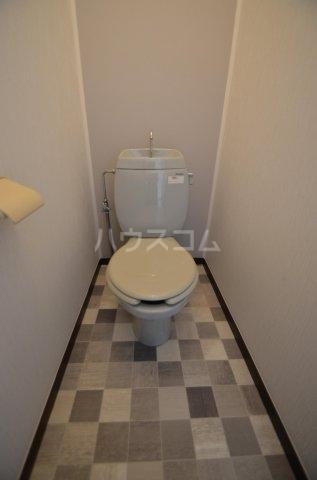 サンライフ日吉 101号室のトイレ