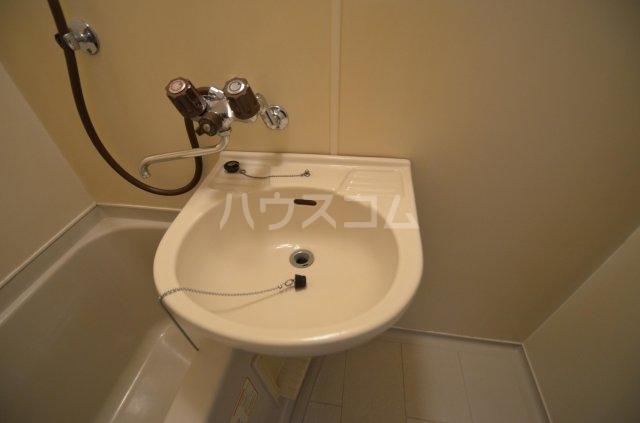 サンライフ日吉 101号室の洗面所