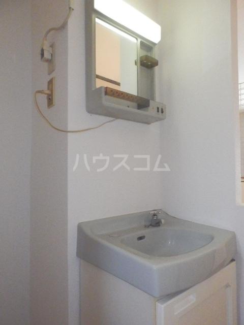 グリーンハイツⅠ 101号室の洗面所