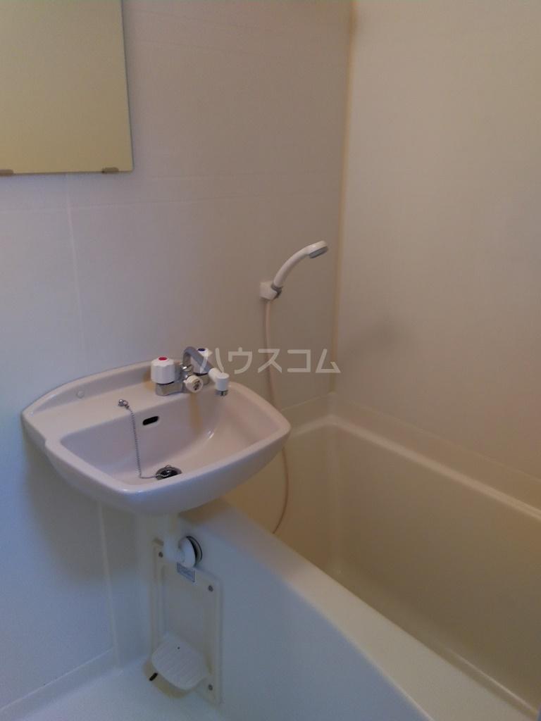 フィールドM 201号室の風呂