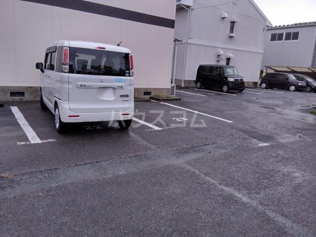 塩田ハイツG 203号室の駐車場