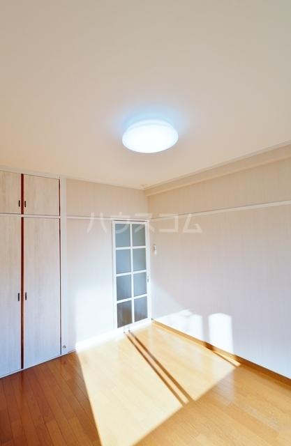 コスモ中浜 701号室のベッドルーム