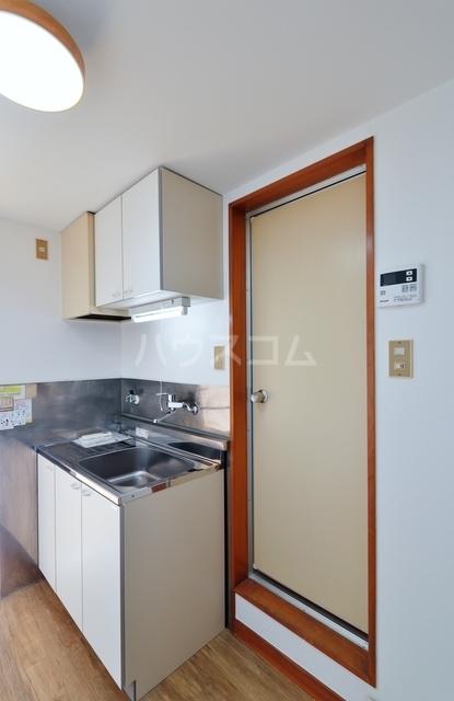 コスモ中浜 701号室のキッチン