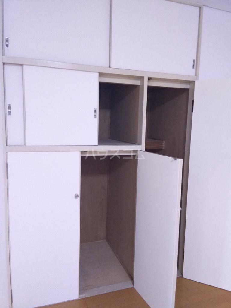 白河ハイツ 301号室の収納