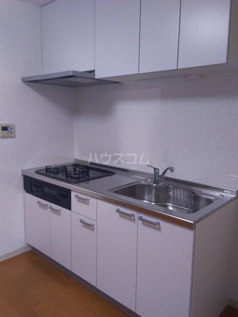 白河ハイツ 301号室のキッチン