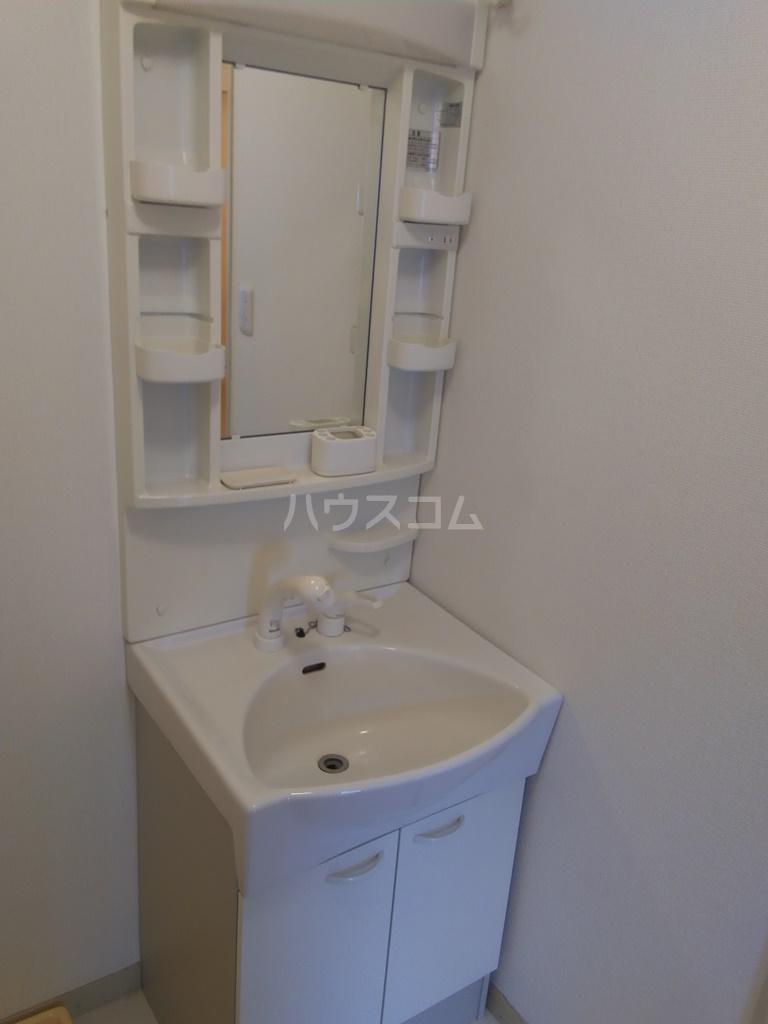 白河ハイツ 301号室の洗面所