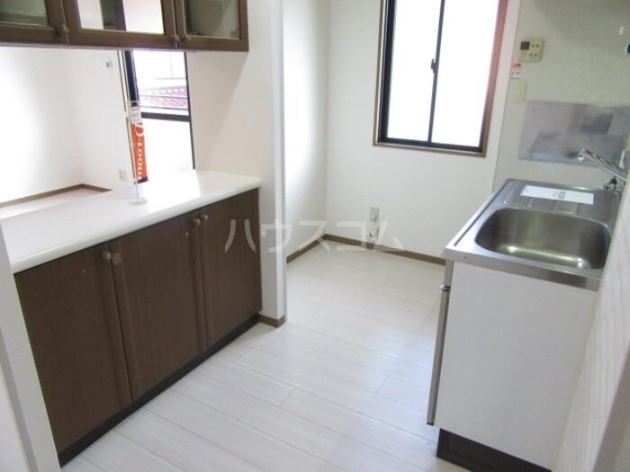 ラ・フィーネ曙 D 202号室のキッチン