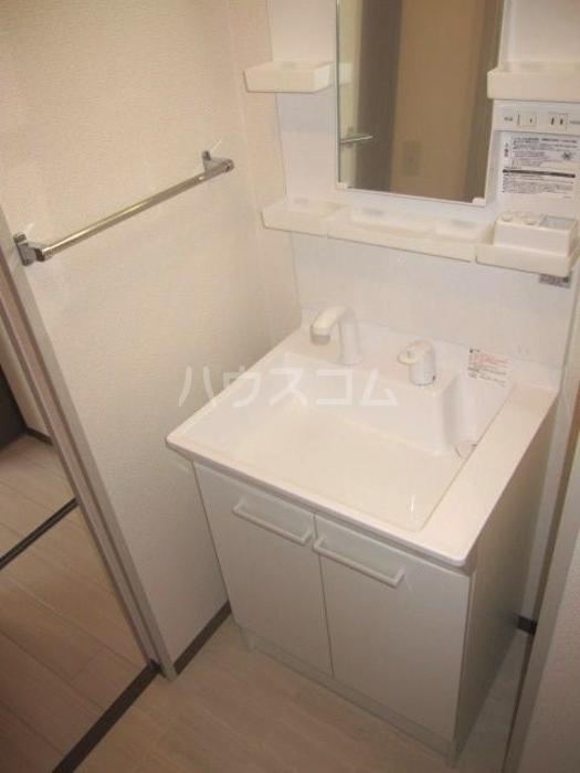ラ・フィーネ曙 D 202号室の洗面所