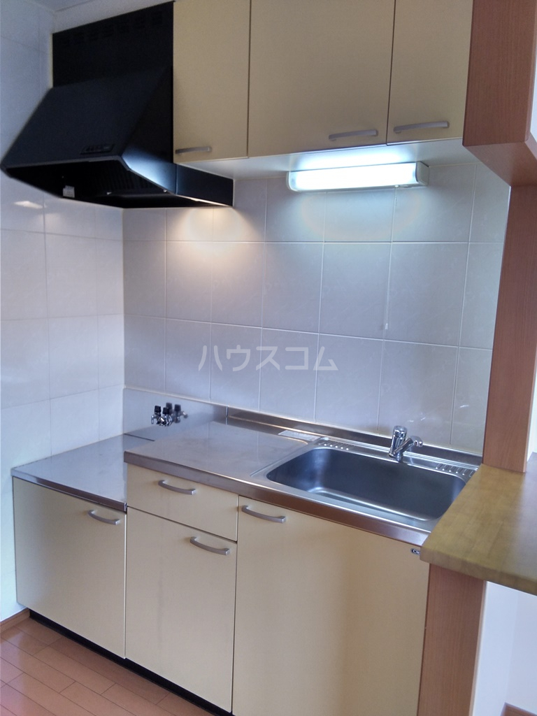 ブロードタウン神野Ⅱ D 107号室のキッチン