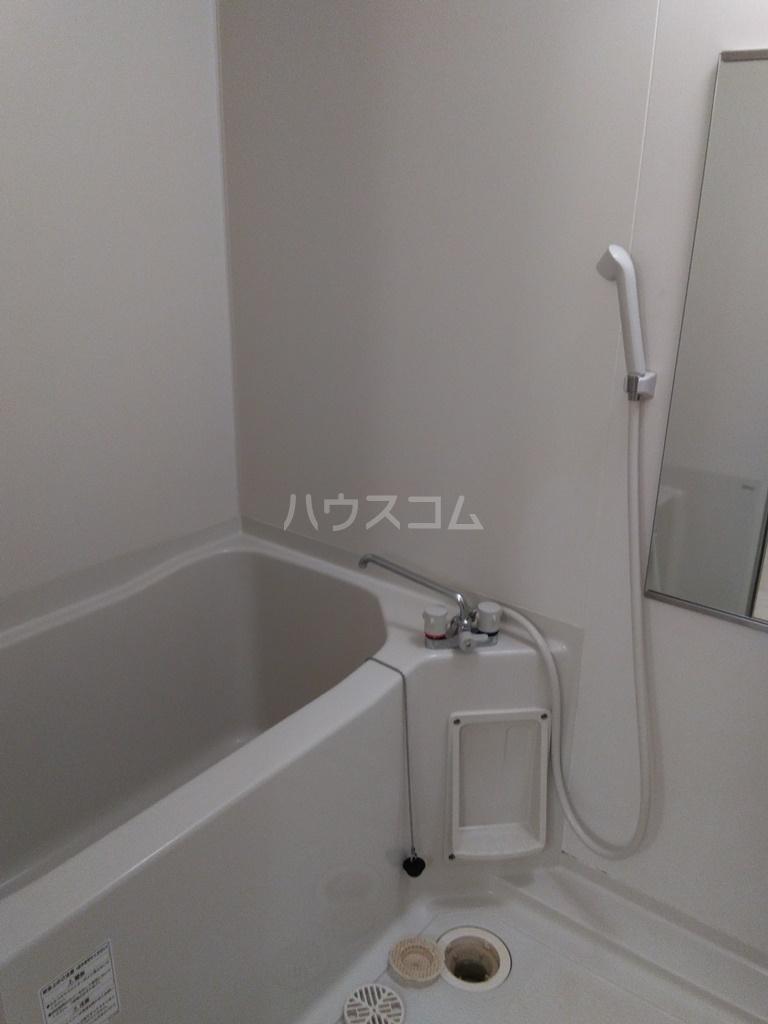 ブロードタウン神野Ⅱ D 107号室の風呂