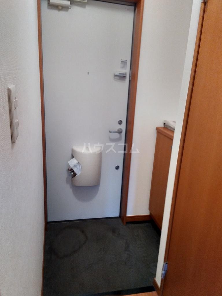 ブロードタウン神野Ⅱ D 107号室の玄関