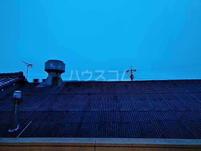 アールズコート 206号室の景色