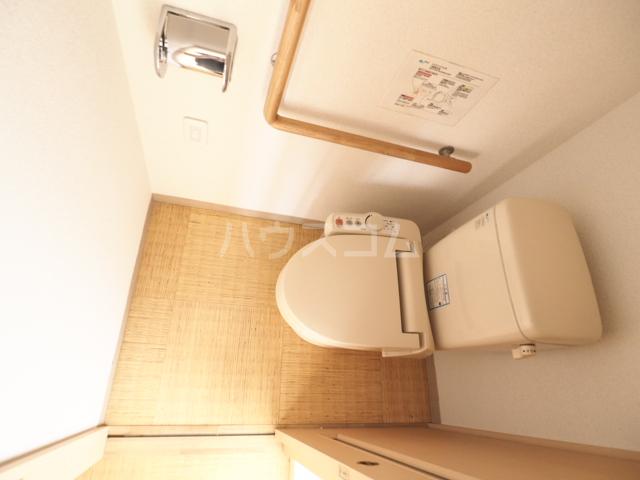 R-Court泉 805号室のトイレ