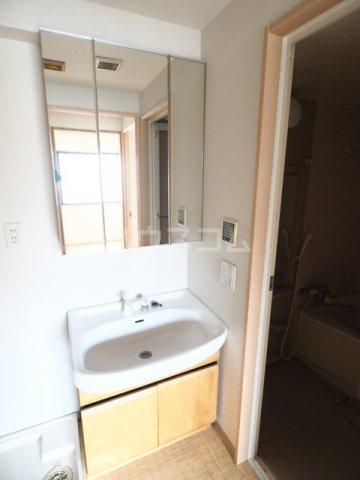 R-Court泉 805号室の洗面所