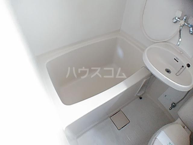 アクアコートⅡ 206号室の風呂
