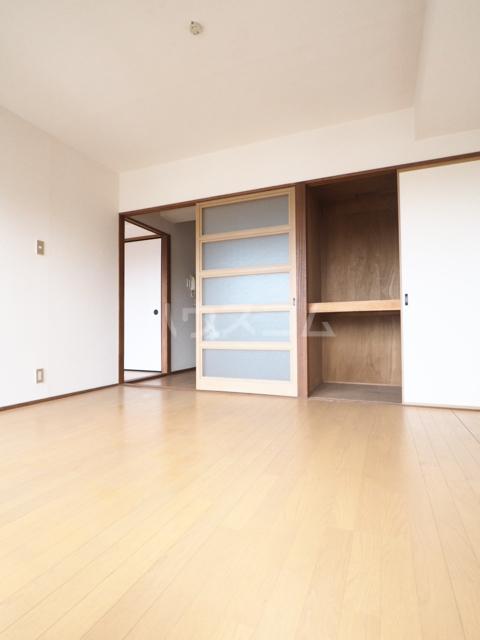 メゾンド徳川苑 702号室の居室